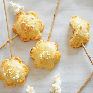 Sugary & Buttery Popcorn Pie Pops with Salted Caramel
