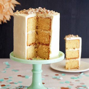 Toffee Dream Cake with Hazelnut Praline