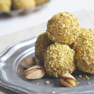 Sugary & Buttery - Vanilla Bean Cake Truffles with Toasted Pistachios