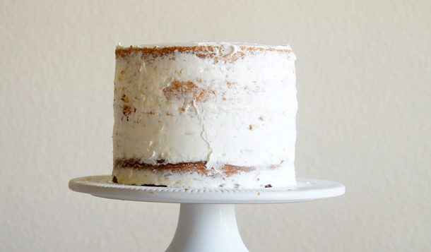 Sugary & Buttery - how to frost a layer cake - Crumb coat