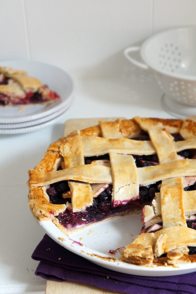 Sugary & Buttery - Blueberry Apple Pie with Rosemary