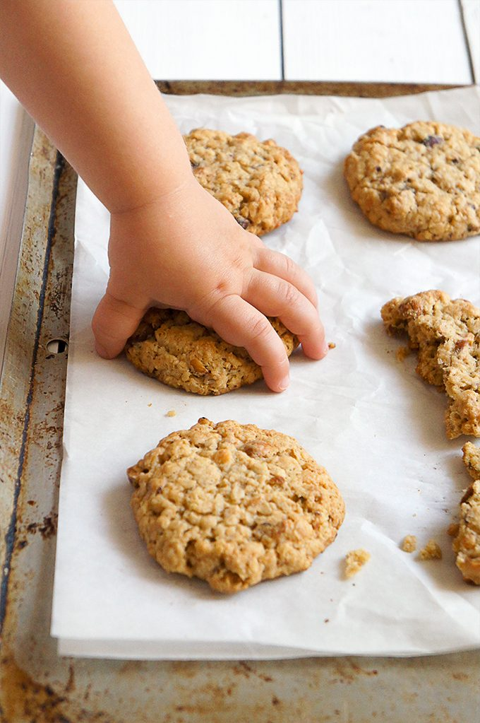 Sugary & Buttery - Buttery Soft Oatmeal Cookies with Toasted Hazelnuts