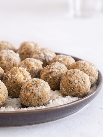 Sugary & Buttery - Lemon & Poppy Seed Energy Balls